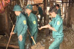 Người dân khắc phục hậu quả sau lũ quét ở Lào Cai và Lai Châu