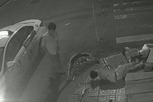 Lộ danh tính tài xế taxi bỏ mặc đôi nam nữ thương vong ở TP.HCM sau va chạm