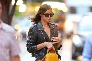 Irina Shayk gợi cảm ra phố với đầm vàng rực rỡ