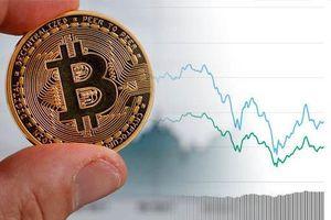 Sau đạt đỉnh, giá Bitcoin đột ngột lao dốc