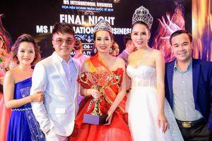 Người đẹp sở hữu vòng eo 58cm đăng quang 'Ms International Business'