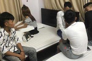 Bắt quả tang thiếu nữ cùng 4 thanh niên phê ma túy trong khách sạn