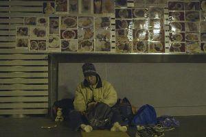 Từ bỏ cuộc sống trung lưu, người đàn ông 52 tuổi sống như người vô gia cư
