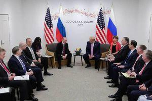 Ông Trump đùa với Tổng thống Putin: Đừng có can thiệp bầu cử Mỹ