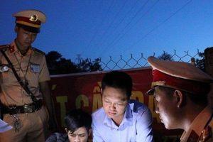 CSGT bắt 'nóng' thanh niên phê ma túy chạy xe ngổ ngáo ngoài đường