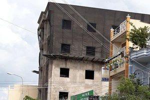 Vụ sập giàn giáo khiến 3 công nhân tử vong: Tháo dỡ 2 tầng thi công trái phép
