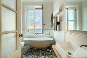 Phòng tắm nhà bạn sẽ tràn đầy phong cách với xu hướng bồn tắm hình elip đầy ưu điểm
