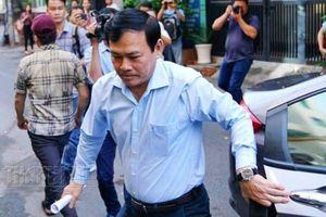 Cựu quan chức ra tòa: Đừng để phải đeo khẩu trang khi ra đường