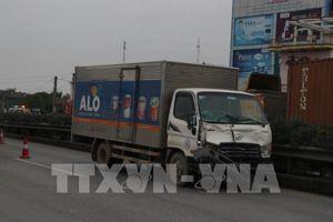 Xe tải trọng lớn đi vào đường nội thị né trạm thu phí