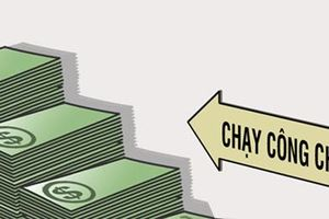 Nữ quái 'đút túi' hơn 2 tỷ đồng tiền 'chạy công chức'