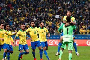 Cận cảnh: Dàn sao Brazil ăn mừng cuồng nhiệt sau trận thắng Paraguay