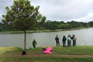 Phát hiện xác người đàn ông nổi trên hồ Xuân Hương