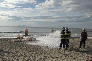 Hơn 200 người diễn tập ứng phó tràn dầu tại bãi biển Mỹ Khê