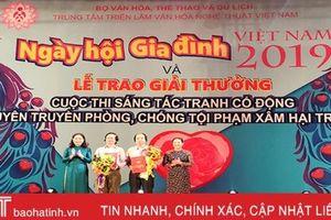 Họa sỹ Hà Tĩnh giành giải nhì sáng tác tranh cổ động bảo vệ trẻ em