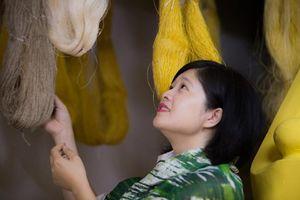 Hạnh Silk 'điên tình' mang tinh hoa lụa Việt ra thế giới