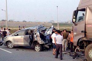 Kết luận mới vụ xe Innova lùi trên cao tốc: Sao không thực nghiệm điều tra?