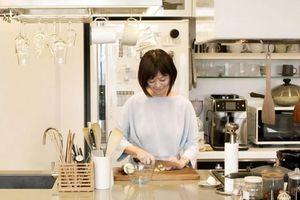 Người phụ nữ 'nấu cả thế giới', 20 năm không món nào trùng lặp