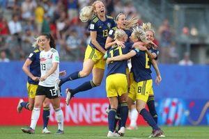 Ngược dòng thắng Đức, Thụy Điển hẹn Hà Lan ở bán kết
