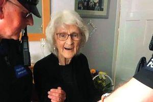 Một cụ bà 93 tuổi 'tha thiết' muốn cảnh sát bắt trước khi qua đời