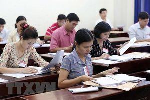 Có cần thiết phải chấm lại toàn bộ những bài thi Ngữ văn có điểm cao?