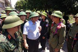 Đồng chí Phạm Minh Chính kiểm tra thực địa cháy rừng ở Hà Tĩnh