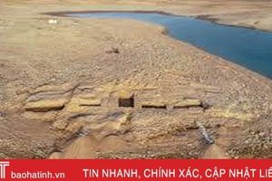 Cung điện bí ẩn từ thời cổ đại đột nhiên xuất hiện ở hồ nước sau hạn hán