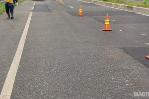 Yêu cầu nhà thầu chính sửa chữa đường dẫn cầu Vàm Cống