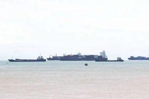 Nạo vét luồng Quy Nhơn: 'Tuýt còi' việc đổ thải 300.000m3 bùn ra biển