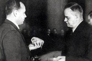 Vladimir Barkovski – Điệp viên huyền thoại của Tình báo Xô viết