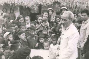 Muôn vàn tình yêu thương con người của Chủ tịch Hồ Chí Minh trong Di chúc