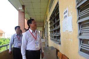 Thứ trưởng Bộ Giáo dục kiểm tra công tác chấm thi tại Long An