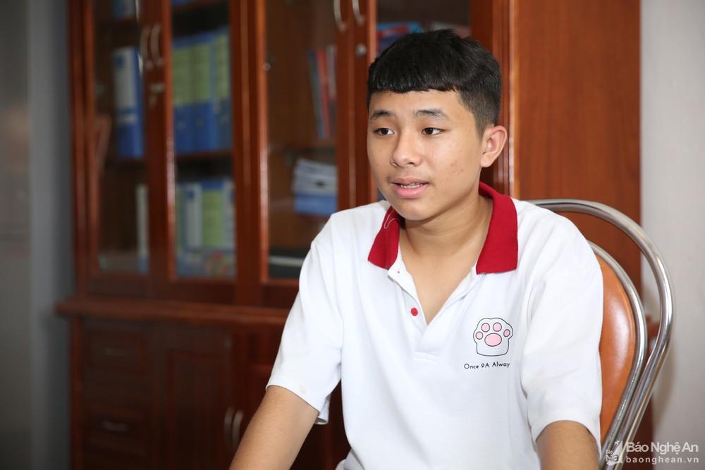 Thủ khoa Kỳ thi tuyển sinh vào lớp 10 ở Nghệ An đậu chuyên Lý trường Phan