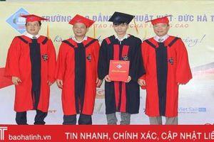 214 học sinh, sinh viên Trường Cao đẳng Kỹ thuật Việt - Đức nhận bằng tốt nghiệp