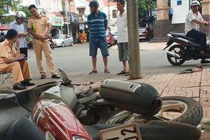 Đắk Lắk: Mất lái tông vào cột đèn đường, hai thanh niên thương vong