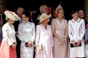 Công nương Kate bị tố 'ngó lơ' mẹ chồng