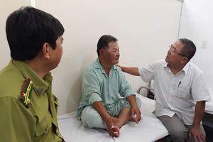 Kiểm lâm bị bỏng nặng khi cứu rừng thông đang bị lửa 'nuốt chửng' ở Huế