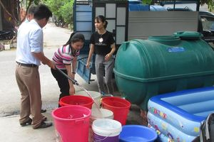 Nước yếu và thiếu, sinh hoạt người dân bị xáo trộn