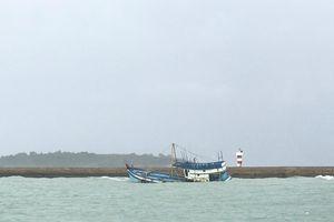 Tàu chở 71 tấn dầu bị chìm ở đảo Phú Quý, cảnh báo nguy cơ tràn dầu
