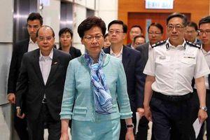 Lãnh đạo Hong Kong lên án vụ bạo động, đập phá tại tòa nhà lập pháp