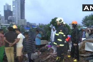 Ấn Độ: Sập tường liên tiếp do mưa lớn, 16 người tử vong