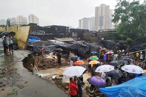 Mưa lớn kéo dài tại Ấn Độ khiến 13 người thiệt mạng do sập tường