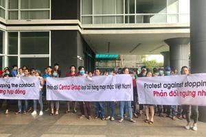Doanh nghiệp Việt kéo đến văn phòng Central Group phản đối vì bất ngờ ngưng thu mua hàng