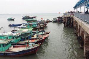 Bão số 2 sắp đổ bộ, 1.640 du khách vẫn 'mắc kẹt' trên đảo Cô Tô