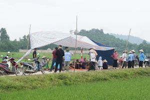 Người dân tiếp tục chặn xe chở rác thải vào bãi rác Nam Sơn (Hà Nội): Chính quyền thất hứa?