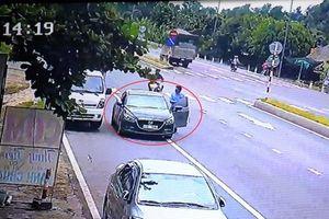 Truy tìm hai thanh niên ngoại quốc cướp tài sản ở Bến Tre