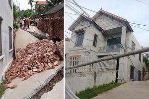 'Hố tử thần' nuốt chửng ngôi nhà 2 tầng tại Hà Nội
