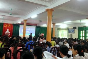 Kỳ lạ bên trong lớp học thăng hạng giáo viên tiểu học ở Bắc Giang