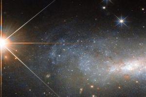 Phát hiện tín hiệu vô tuyến đến từ thiên hà khổng lồ ở rất xa Trái đất