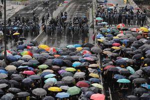 Trung Quốc phê phán Mỹ, chỉ trích Anh liên quan vụ biểu tình ở Hồng Kông
