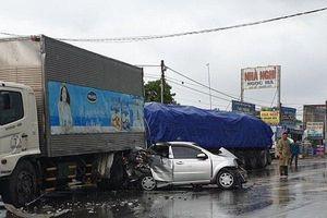Bình Dương: 5 ô tô tông liên hoàn giữa trời mưa, một tài xế trọng thương